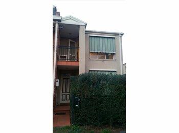 EasyRoommate AU - Large Room in East Brunswick w/ balcony - Brunswick East, Melbourne - $220 pw