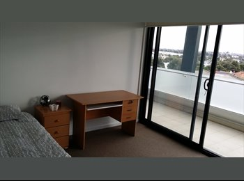 EasyRoommate AU - Home on the edge of Thornbury - Preston, Melbourne - $170 pw