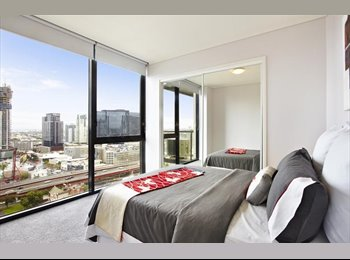 EasyRoommate AU - Hunting for an awesome roomie! - Southbank, Melbourne - $250 pw