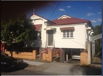 EasyRoommate AU - Large Room for Rent in New Farm -$170 - New Farm, Brisbane - $170 pw