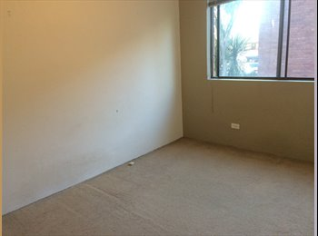 EasyRoommate AU - $160 room for rent Conveniently located at a bus stop and within walking distance to Macquarie uni a - Marsfield, Sydney - $160 pw