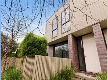 EasyRoommate AU - Amazing Townhouse in Fantastic Central Location - Geelong West, Geelong - $158 pw