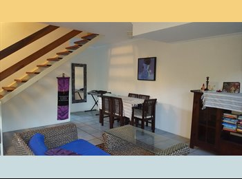 Single Room in quiet townhouse at Edge Hill