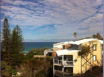 EasyRoommate AU - Beach house - Sunshine Beach, Sunshine Coast - $200 pw