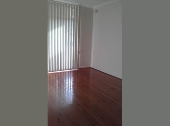 EasyRoommate AU - Fantastic unit available now! - North Strathfield, Sydney - $233 pw