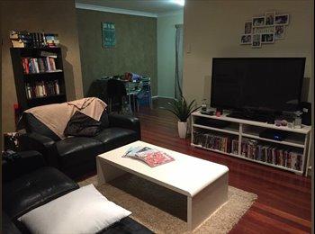 EasyRoommate AU - Room for rent  - Wynnum, Brisbane - $160 pw