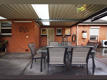 EasyRoommate AU - Great sunny house in excellent location with easy going country guys - Lockleys, Adelaide - $140 pw