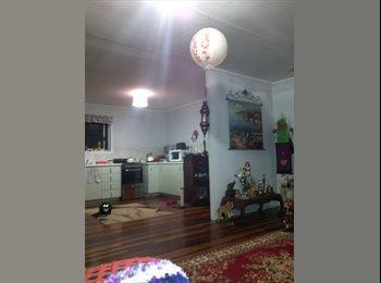EasyRoommate AU - Renting room - Ellen Grove, Brisbane - $150 pw