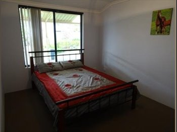 EasyRoommate AU - THORNLIE - 2 spacious rooms available - Thornlie, Perth - $150 pw