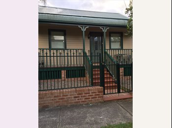 EasyRoommate AU - Room for rent St Peters  - St Peters, Sydney - $260 pw