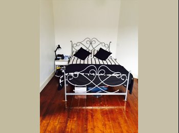 Lovely double room available on famous Chapel Street