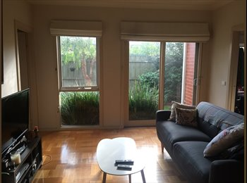 EasyRoommate AU - Large room in townhouse  - Ascot Vale, Melbourne - $200 pw