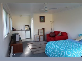 EasyRoommate AU - Clean Secure 1 Bedroom Unit For Rent - Oakleigh South, Melbourne - $180 pw