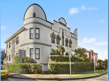EasyRoommate AU - Sunny top Floor Bondi Beach Apartment - Bondi Beach, Sydney - $450 pw