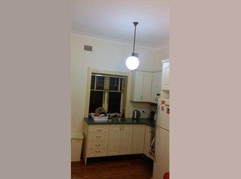 EasyRoommate AU - Master Bedroom in St Leonards - St Leonards, Sydney - $240 pw