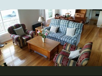 EasyRoommate AU - Spacious, 3BR, two story townhouse - walk to the tram! - Preston, Melbourne - $156 pw