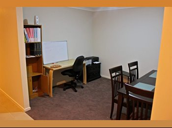 EasyRoommate AU - Room for rent - Point Cook, Melbourne - $160 pw