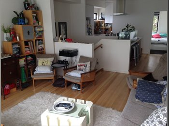 EasyRoommate AU - Designer townhouse in Northcote - Northcote, Melbourne - $285 pw