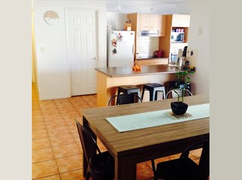 EasyRoommate AU - Douglas house with pool and own bathroom - Douglas, Townsville - $150 pw
