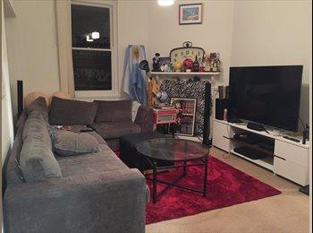 EasyRoommate AU - Bondi Junction House - Huge Room/Awesome Housemates - Bondi Junction, Sydney - $350 pw