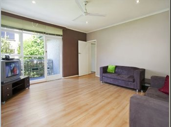 EasyRoommate AU - Spacious Glen Iris Apartment for rent! Urgent! - Glen Iris, Melbourne - $380 pw