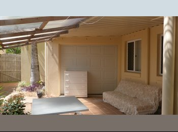 EasyRoommate AU - Self-Contained 1 Bed+Ens+ Private Courtyard - Sunshine Coast - Pelican Waters, Sunshine Coast - $250 pw