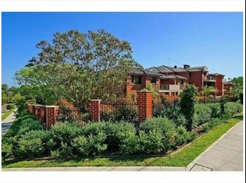 EasyRoommate AU - Prime location in beautiful leafy surroundings! - Castle Hill, Sydney - $280 pw