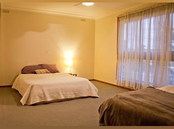 EasyRoommate AU - Super Large Master room for Couples or Friends - Essendon West, Melbourne - $220 pw