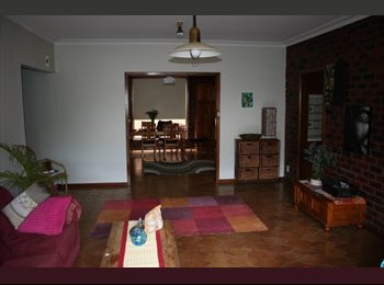 EasyRoommate AU - Sunny room in large 2 storey house - Essendon West, Melbourne - $165 pw