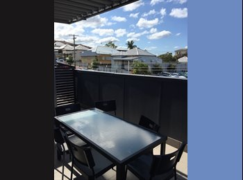 EasyRoommate AU - 2 rooms available in the heart of west end! - West End, Brisbane - $200 pw