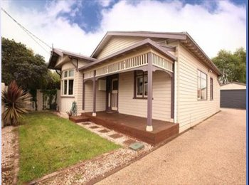 EasyRoommate AU - 3 rooms available for rent - Invermay, Launceston - $88 pw
