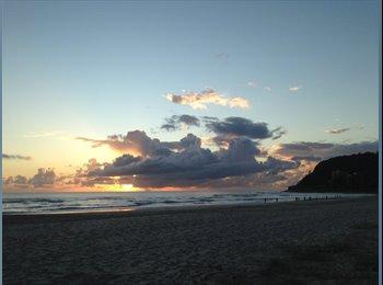 EasyRoommate AU - Beachside Room for Rent - Burleigh Heads, Gold Coast - $200 pw