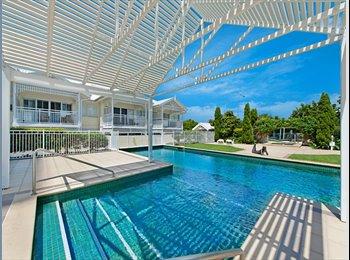 EasyRoommate AU - Hampton's Style Apartment  - Labrador, Gold Coast - $280 pw