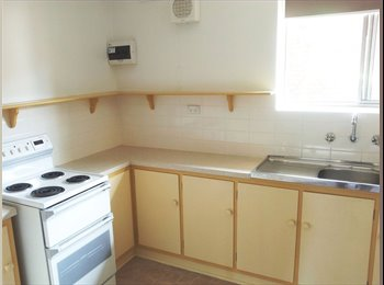 Modern~Bright~Clean~Safe~Private~Double Bed Single Room