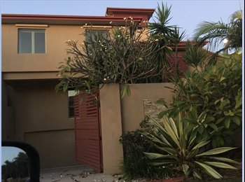 EasyRoommate AU - Massive room in 6 bedroom mansion for rent!!! Full ensuite and lounge with room!  - Paradise Point, Gold Coast - $250 pw