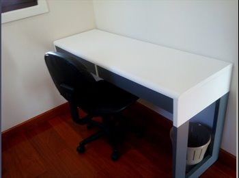 EasyRoommate AU - Single Room for Rent - Available Now - Spring Hill, Brisbane - $230 pw
