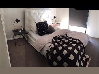 EasyRoommate AU - Room in beautiful Altona apartment near the beach  - Altona, Melbourne - $180 pw