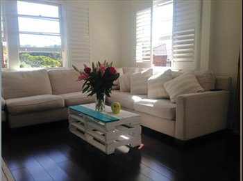 EasyRoommate AU - Room for rent 2 mins walk from beautiful Coogee! - Coogee, Sydney - $360 pw