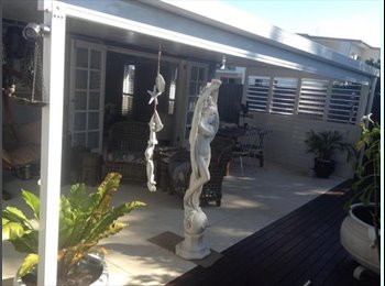 EasyRoommate AU - Fully furnished room available including bed, drawers, cupboards - Southport, Gold Coast - $250 pw