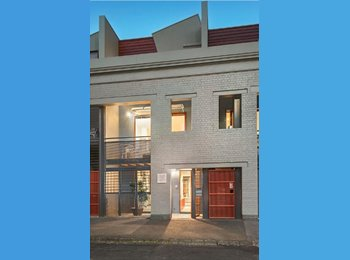 EasyRoommate AU - Stylish Living in Fitzroy North - Fitzroy North, Melbourne - $315 pw