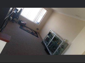 EasyRoommate AU - 3 Housemates needed for sharehouse in beckenham - Beckenham, Perth - $150 pw