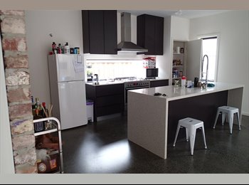 EasyRoommate AU - Modern fresh studio feel open plan living - Pakenham, Melbourne - $175 pw