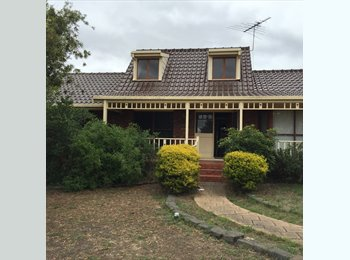 EasyRoommate AU - Fully Furnished rooms in Grovedale available  - Grovedale, Geelong - $140 pw