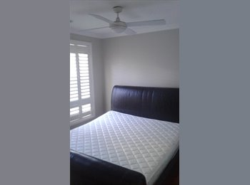 TARNEIT 4 BEDROOM  HOUSE ROOM SHARE READY NOW