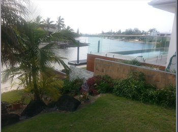EasyRoommate AU - Large furnished room with canal views - Broadbeach Waters, Gold Coast - $160 pw