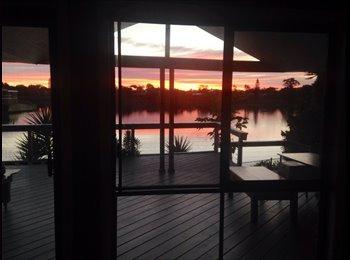 EasyRoommate AU - Big Rooms in Quiet Mermaid Waters - Mermaid Waters, Gold Coast - $200 pw