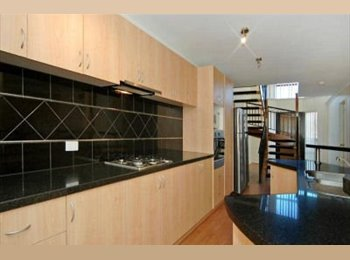 EasyRoommate AU - Double Bedroom with Own Ensuite, Iluka - $220 pw
