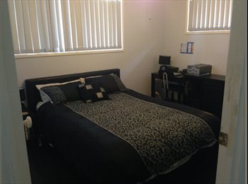 EasyRoommate AU - Queen size room available for rent in a 4 bedroom townhouse.  - Newmarket, Brisbane - $110 pw
