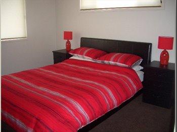 EasyRoommate AU - Furnished Room, Brisbane - $210 pw