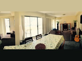 EasyRoommate AU -  Female only - Darling Harbour - Clean - Tidy - Multi Culture - speak english - No Spider/cockroache, Sydney - $235 pw